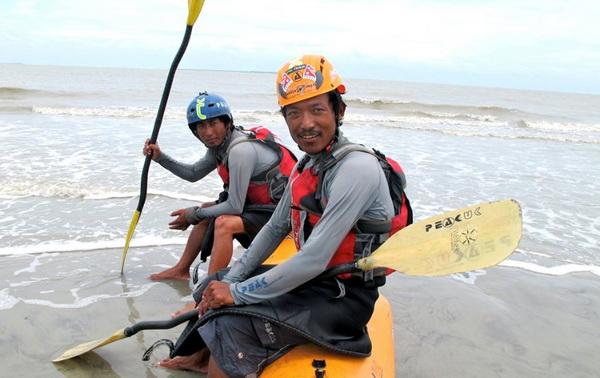 126 08 03 12 pute7 - Невероятное путешествие двух непальцев отмечено премией