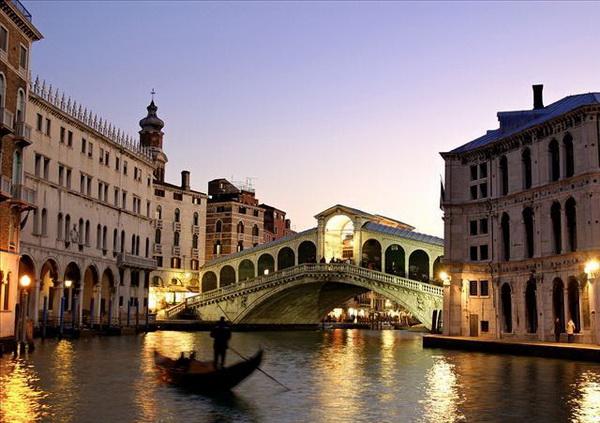 Двадцать самых вдохновенных мест на Земле. Великая Стена, Венеция, Большой барьерный риф, Гранд-Каньон, Акрополь