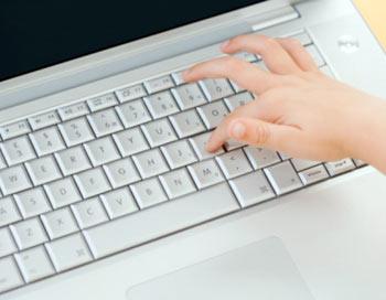 Что движет юными киберпреступниками?