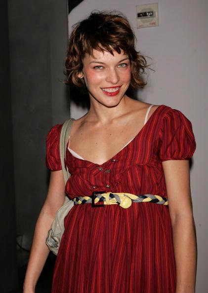 75 milla 16 - Милла Йовович — актриса, модель и просто мама