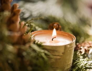 Свечи – настоящее украшение новогоднего стола