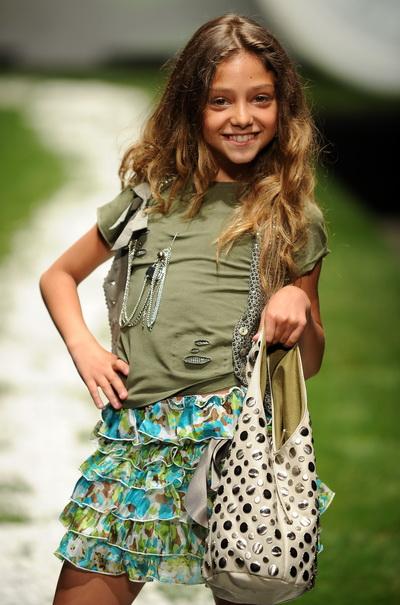 Модная одежда для детей от известных производителей. Фоторепортаж
