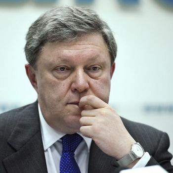 Явлинский призвал СМИ корректно освещать тему подростковых суицидов