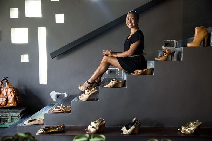 Известный балийский дизайнер представила обувь ручной работы