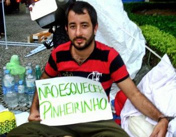 163 0402 BRAZIL - Бразильский активист представил факты убийств во время выселения в Пиньейринью