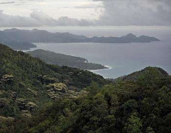 Маленький остров Дерош ждет Costa Allegra