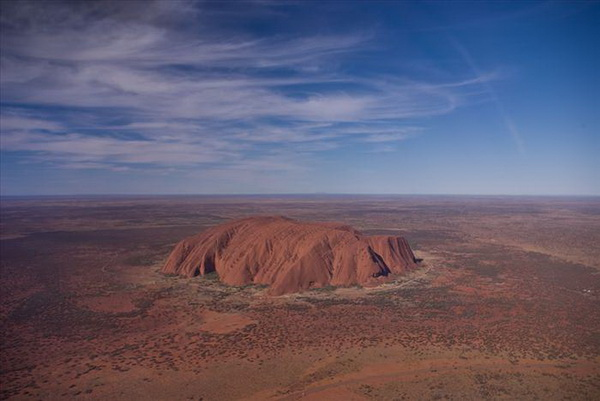 Улуру – загадочный монолит в  сердце Австралии