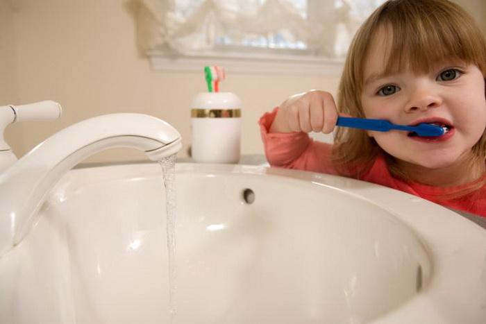 Как предотвратить эрозию и износ зубов