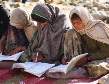 163 200310 Obraz - Образование способно разорвать круг бедности