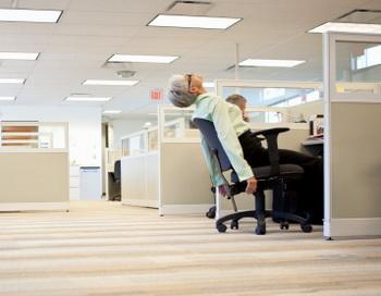 Работники офисов устают быстрее