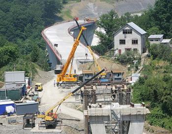 126 16 02 10 SOCHI - Медведев предложил грекам поучаствовать в олимпийском строительстве