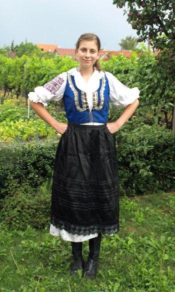 """154 121210 3 - Всемирный опрос «Q&A»: """"Какая  одежда лучше всего выражает ваши традиции?"""""""