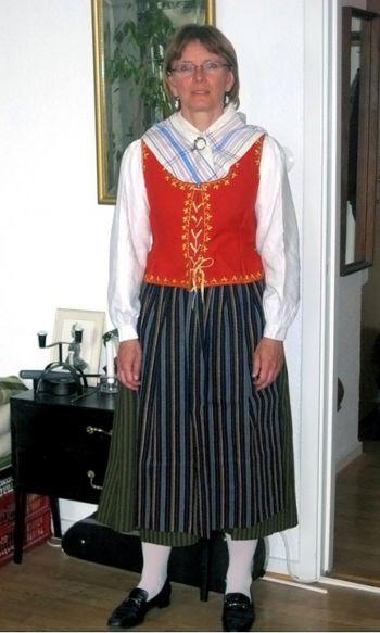 """154 121210 5 - Всемирный опрос «Q&A»: """"Какая  одежда лучше всего выражает ваши традиции?"""""""