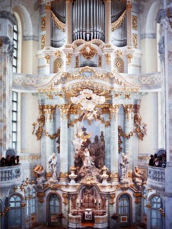 163 160310 zamok2 - Собор Богородицы (Фрауэнкирхе) в Дрездене - памятник примирения