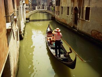 Загадочная и притягательная Венеция