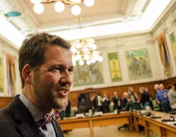 Канадские депутаты обеспокоены варварским бизнесом