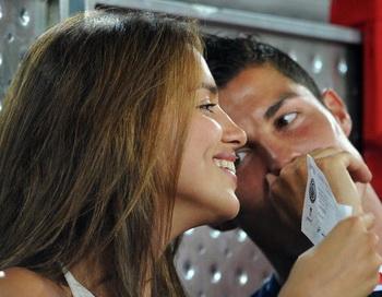 Криштиану Роналду и Ирина Шейк сыграют свадьбу на острове