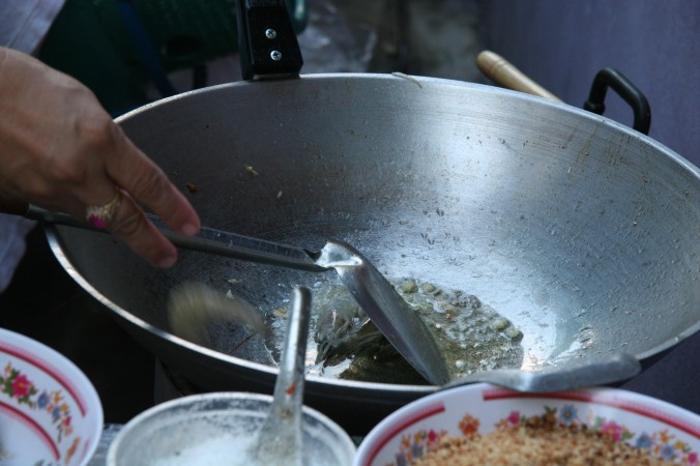 Рецепт Пад Тай от уличного повара в Таиланде