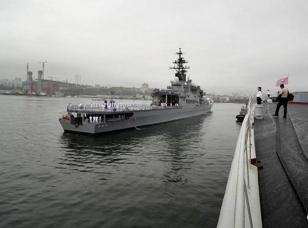 Корабли США и Японии прибыли в порт Владивостока. Фотообзор