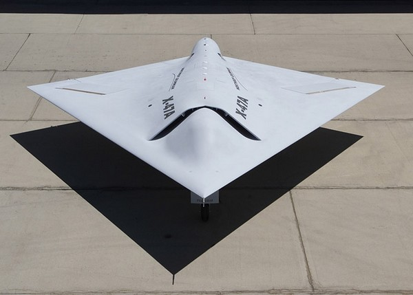 ВМС США испытали робота-бомбардировщика