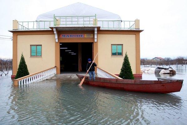 На Балканах бушует водная стихия. Фоторепортаж