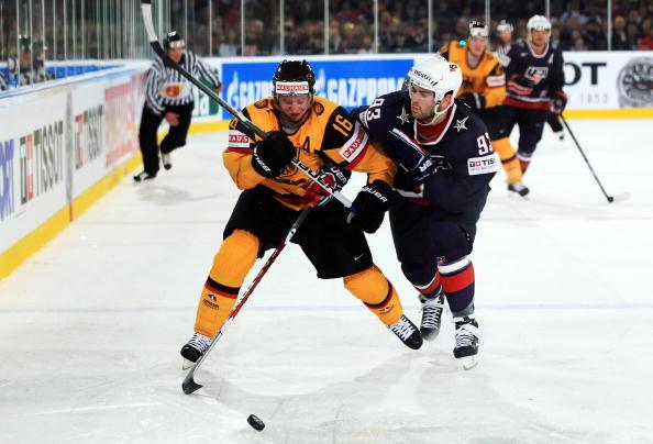 На ЧМ-2010 сборная Германии одержала победу над  командой США. Фоторепортаж