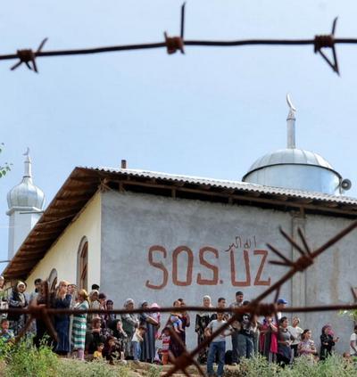 В Киргизии голодают беженцы и потерпевшие в беспорядках. Фоторепортаж
