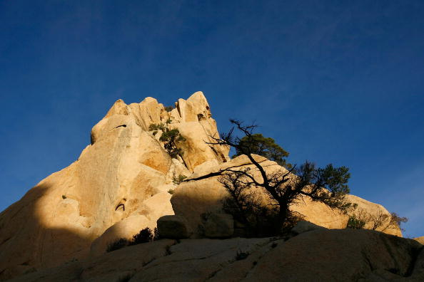 163 3009 02 gorui - Скалистые пейзажи и пещеры в Джакумбе, штат Калифорния
