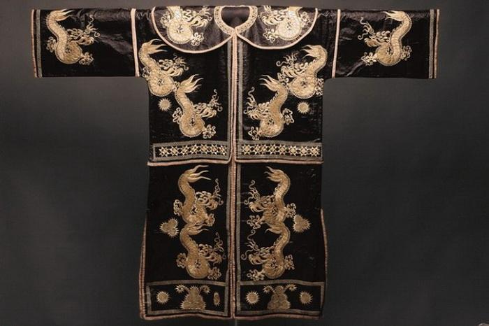 163 BeaRoberts edited 2 - Китайские искусства: путешествия через области национальных меньшинств Китая