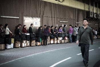 163 vokzal gonkong1 - Китаю пока не удаётся вернуть доверие к сухому молоку
