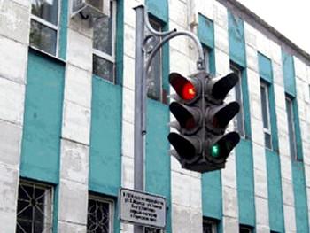 К международному дню светофора установлен памятник светофору в Перми