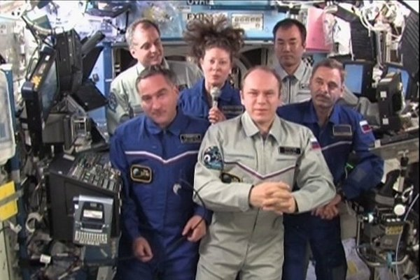 161 DK1 - Президент России Дмитрий Медведев поздравил членов экипажа МКС, находящихся на орбите, с Днём космонавтики
