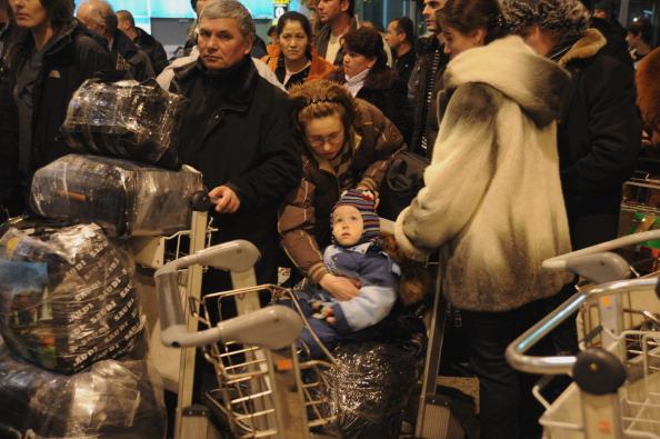 161 Domod13 - Теракт в Домодедово. Семьям погибших выплатят по 2 миллиона рублей