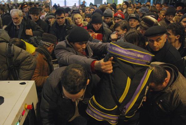161 Domod6 - Теракт в Домодедово. Семьям погибших выплатят по 2 миллиона рублей