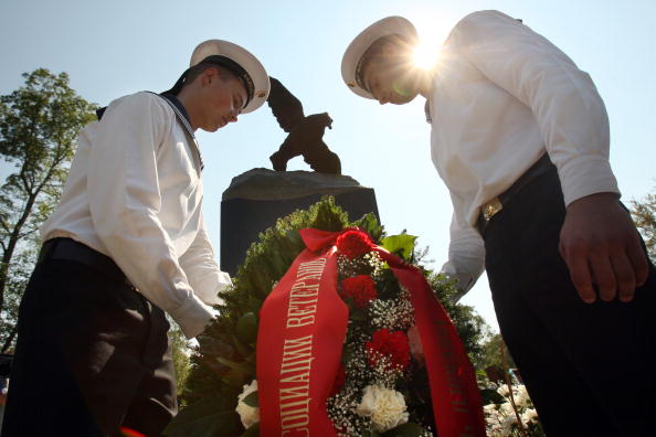 """161 kursk3 - """"Курск"""" 10 лет спустя. Траурные церемонии в  память о моряках-подводниках с АПЛ """"Курск"""" прошли во многих городах"""