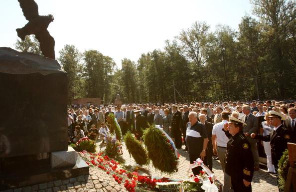 """161 kursk4 - """"Курск"""" 10 лет спустя. Траурные церемонии в  память о моряках-подводниках с АПЛ """"Курск"""" прошли во многих городах"""