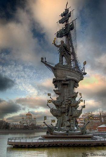 Церетели не против  переноса памятника Петру Первому и готов создать памятник  Лужкову