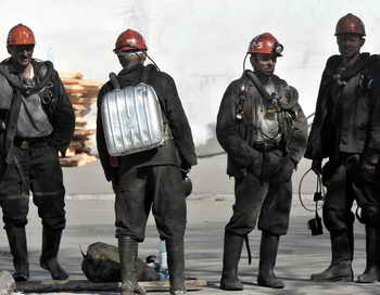 Владелец трёх шахт арестован за долги горнякам