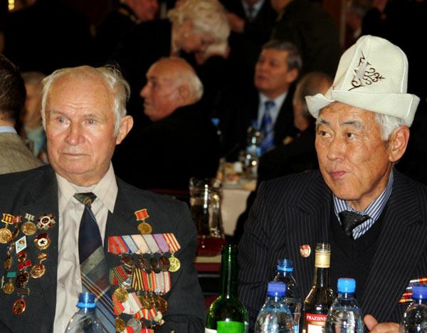«Бал победителей» празднуют ветераны Второй мировой войны