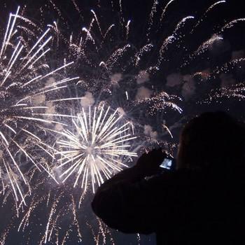 Около 20 человек пострадали от пиротехники в Москве в Новый год