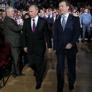 163 2409 02 infograph - Медведев предложил Путину баллотироваться в президенты, сам пойдет в правительство