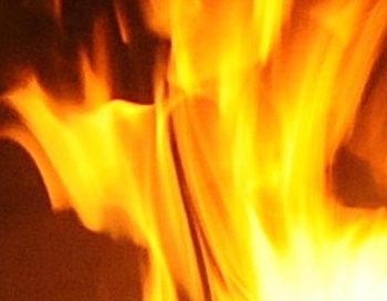 На юго-востоке Москвы произошёл пожар, сгорели шесть гаражей