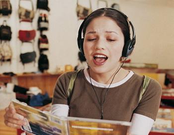 Пение поможет выучить новый язык