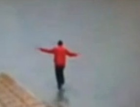 Иллюзионист Динамо прогулялся по Темзе