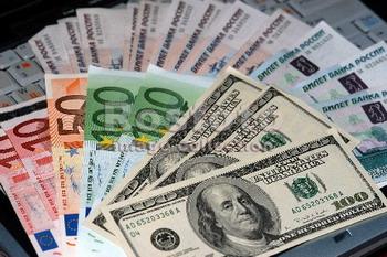 Ученые выяснили, что «не в деньгах счастье»