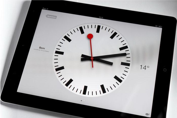 Концерн Apple заключил договор об использовании швейцарских вокзальных часов