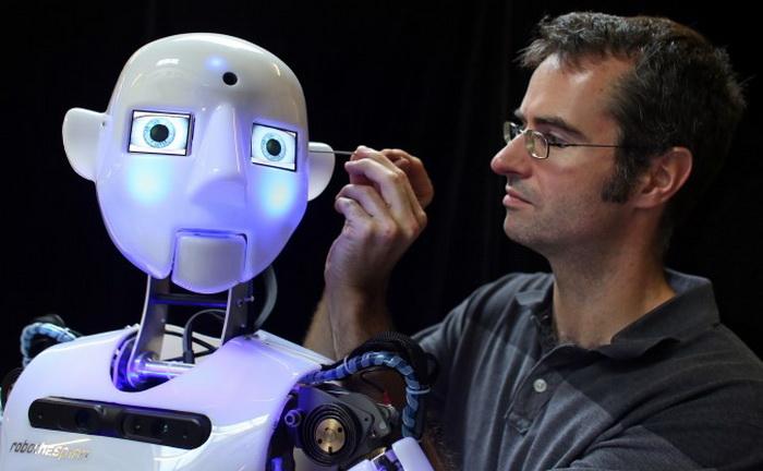191 LEAD Robo 1 - Создан человекоподобный робот RoboTespian