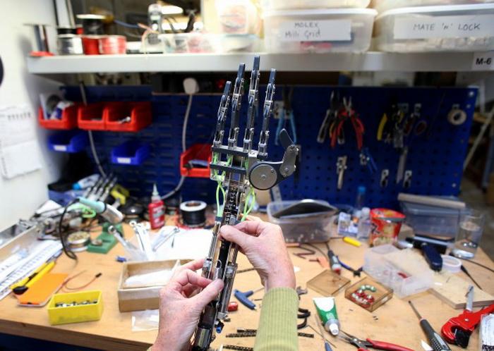 191 LEAD Robo 17 - Создан человекоподобный робот RoboTespian