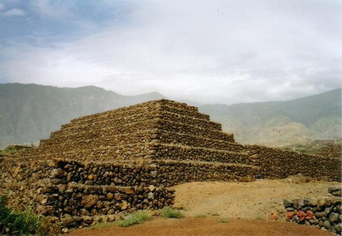 191 piramida ne egyprt 5 - 7 пирамид, расположенных не в Египте
