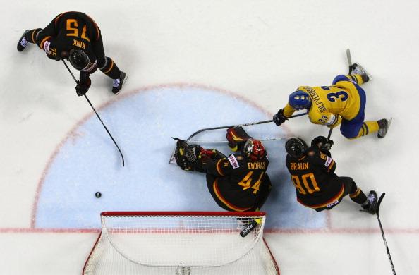 161 12051Sv G 27 - Сборная Швеции выиграла у  Германии со счетом  5:2. Фоторепортаж с матча